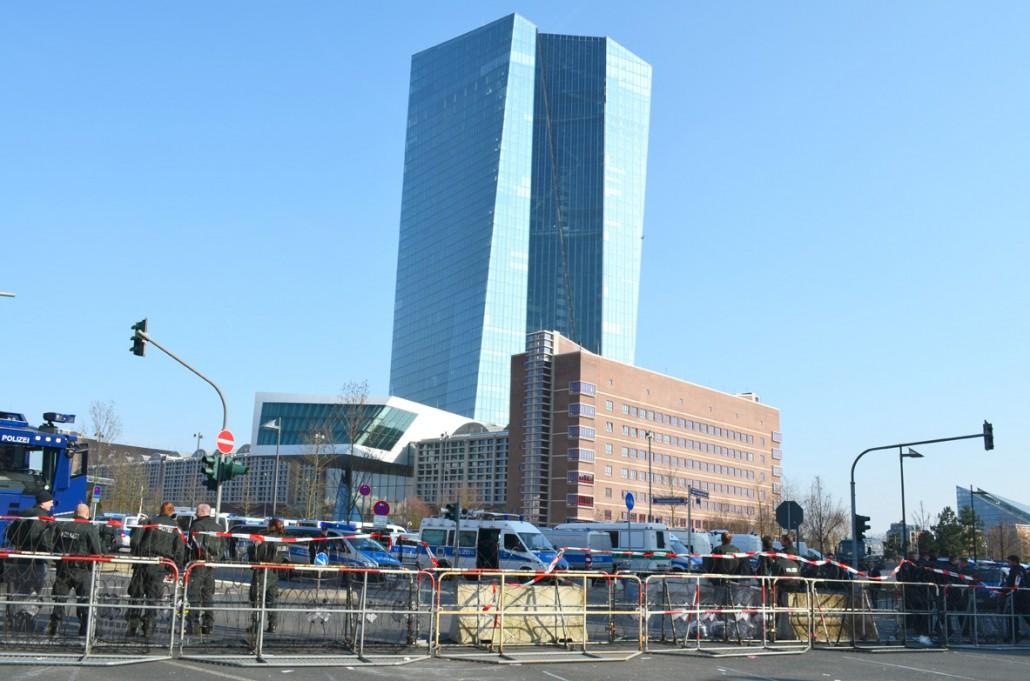 Frankfurt-Blockupy-ECB-Protest_06