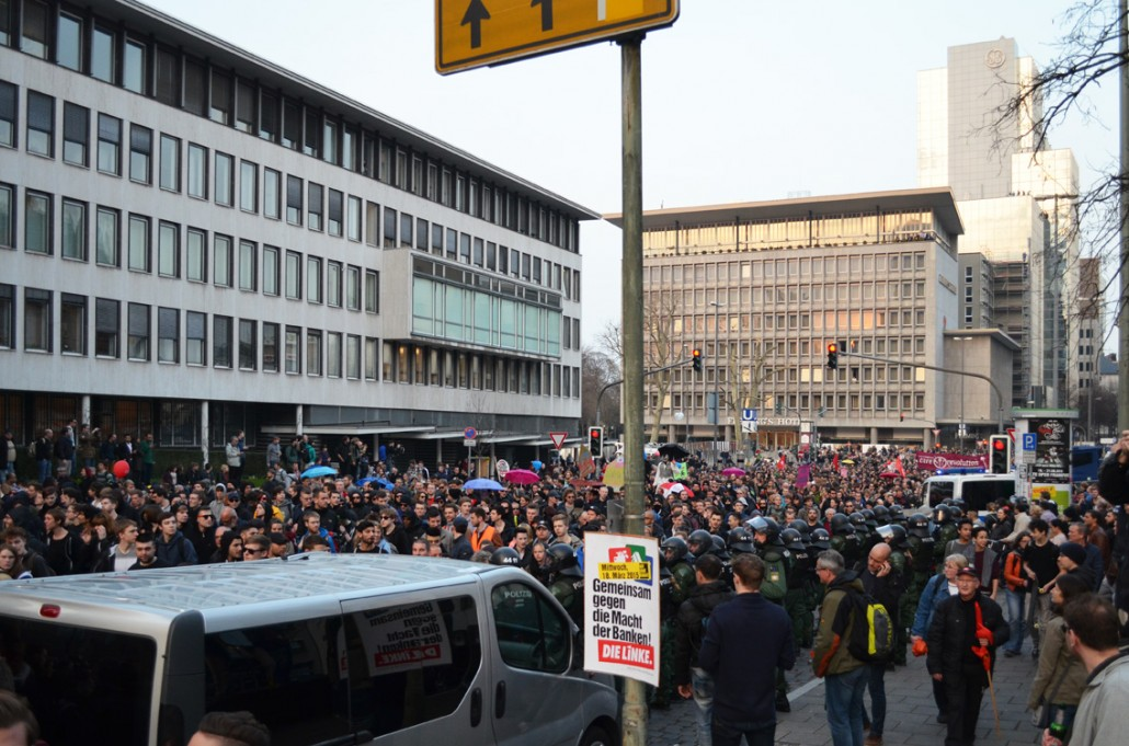 Frankfurt-Blockupy-ECB-Protest_13